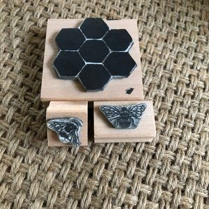 Honeycomb & 2 bee stampers. Used once.